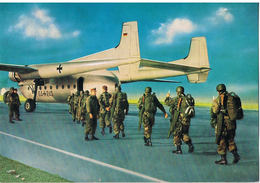 AK Bundeswehr, Fallschirmjäger Vor Dem Einsatz Um 1970 - Militaria