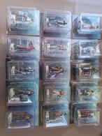 Lot De 15 Figurines Neuves Assassin's Creed - Beeldjes
