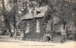 B67066 Cpa Versailles - Le Boudoir Du Hameau De Trianon - Versailles (Castillo)