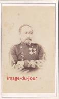PHOTO ANCIENNE  CDV  MILITAIRE OFFICIER UNIFORME DÉCORATION MÉDAILLE CAEN  GELMADELAINE 21 RUE SAINT JEAN - Photos