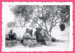 Photo Tunisie - Ben Gardane - Groupe De Militaires - Militaire - Militaria - STENOX BAUCHET - Oorlog, Militair