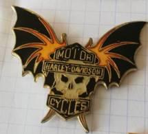 Pin's - HARLEY-DAVIDSON - Vampire - Tête De Mort - Motorfietsen