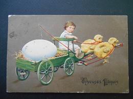 Enfant Assis Dans Petite Charrette Avec Gros Oeuf Tirée Par Des Poussins - Gaufrée - Autres