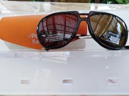"""1237 OCCHIALE DA SOLE UOMO """" POLAROID """" MOD. P8022B FILTER CAT.3   VINTAGE ANNI 80/90 RARO - Sun Glasses"""