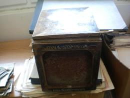 Old Tin Box Keksi Koestlin Biscuits Prizvoda D Wulfa Sinovi Bjelovar  Big Dimnsions 21.5x26x25.5 Cm - Boxes
