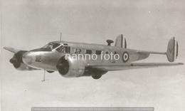 PHOTO AVION      BEECHCRAFT C 45 DE L'ELA 52 A GIA LAM EN 1949    RETIRAGE REPRINT - Aviation