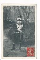 Carte D' Enfant En Uniforme De Cuirassier ( Ou Régiment De Dragons )   ( Recto Verso ) - Uniformen
