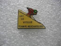 Pin's De La Team KL Neuchatelois, Ski De Vitesse - Wintersport