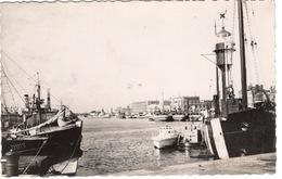 CPA 59 DUNKERQUE Le Port De Pêche Et Bateau Phare 1950 - Dunkerque