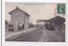 MENILLES : La Gare - Tres Bon Etat - Autres Communes
