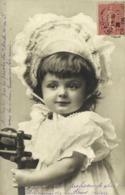 Portrait Fillette Avec Un Très Joli Bonnet   RV - Portraits
