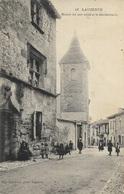 LAUZERTE - Maison Du XIIIe Siècle Et La Gendarmerie - Lauzerte
