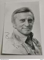 Photo, Kirk Douglas. Signed . Signe - Autógrafos