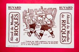 Buvard Alcool De Menthe RICQLÈS, Scouts, Signé Érik - Buvards, Protège-cahiers Illustrés