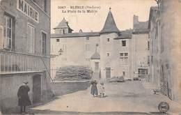 BLESLE (43) La Place De La Mairie - Blesle