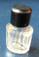 Miniature De Parfum  - Balenciaga (vide)  Réf, A 02 - Vintage Miniatures (until 1960)