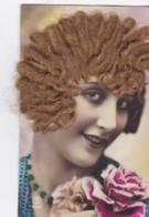 CPA Précursseur Illustrée - Femme Vrais Cheveux Blonds - Boucle D 'oreille En Ajoutis  (lot Pat 111) - Femmes