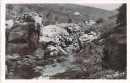 07 ARDECHE La Source D'Eau Minérale Au Vernazon à Saint CIRGUES En Montagne - France