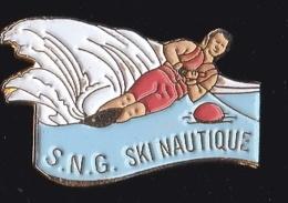 64836 -Pin's-La Société Nautique De Genève.SNG.ski Nautique.signé Apec 22...342 - Ski Nautique