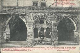 Luxeuil-les-Bains (70) - Cloitre De L'Ancienne Abbaye (vue Prise Avantsa Restauration) - Luxeuil Les Bains