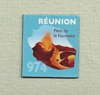 """Magnets. Magnets """"Le Gaulois"""" Départements Français. Réunion (974) - Publicitaires"""