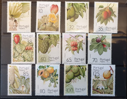 Lot De Timbres De Madére (Portugal)**. Série Des Fruits Subtropicaux De Madére émise En 1990, 1991 Et 1992. - Sellos