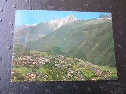 CHAMONIX-MONT-BLANC (Haute Savoie) - Vue Générale Au Fond, Le Massif De L'Aiguille Verte - Chamonix-Mont-Blanc