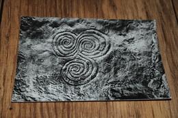 12675-           MEATH, NEWGRANGE, TUMULUS-MAIN CHAMBER-TRIPLE SPIRAL - Meath