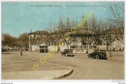 30. LA GRAND'COMBE .  Un Coin De La Place Et Le Boulevard . ( Voitures Anciennes ) . - La Grand-Combe