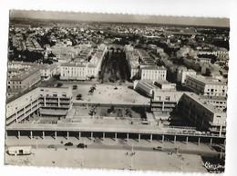 17 ROYAN Le Portique Et Le Boulevard A. Briand 1957   Csm  ... ....G - Royan