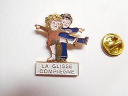 Beau Pin's , Patinage Artistique , La Glisse , Compiégne , Oise - Patinaje Artístico