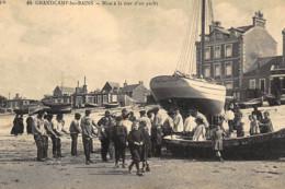 GRANDCAMP-les-BAINS : Mise à La Mer D'un Yacht - Tres Bon Etat - Other Municipalities