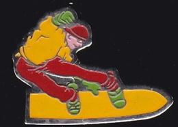 64867 -Pin's-Le Snowboard (littéralement Surf De Neige).signé Swan épinal - Wintersport