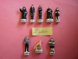 PRE Serie Complète De 8 Fèves En Porcelaine LA FAMILLE ADAMS 2001 ( Feve Figurine Miniature ) Rare - Personajes