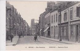 51 REIMS Rue Gambetta ,charette à Bras Tiré Par Un Enfant Transportant Un Autre Enfant ,façade Maison Chanteraux ,café - Reims