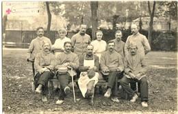 CARTE PHOTO FRANÇAISE - POILUS MÉDECIN ET INFIRMIÈRE A L'HOPITAL Nr. 15 DE BEAUVAIS OISE - GUERRE 1914 1918 - 1914-18