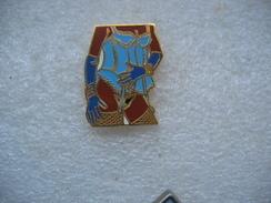 Pin's Corps De Pin Up, Sous Vetements De Couleur Bleue, Gants Bleus - Pin-ups