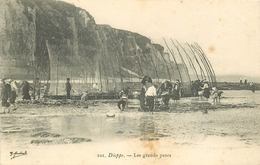 WW 76 DIEPPE. Les Grands Parcs à Poissons Avec Trace Brunâtre - Dieppe