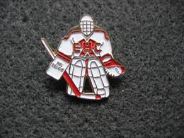 Pin's Club Hockey Sur Glace De La Ville De Biel-Bienne En Suisse - Patinaje Artístico