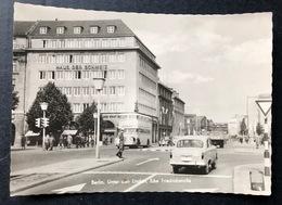 Berlin Unter Den Linden Ecke Friedrichstrasse/ Oldtimer Autos / DDR Zeit - Mitte