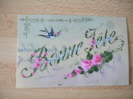 Carte Fantaisie Celluloid  Peinte  Bonne Fete Hirondelle Fleurs - Fantasie