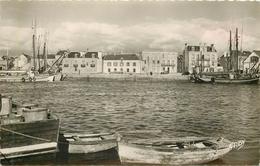 PHL Photo Cpsm 56 ETEL. Les Quais 1956 Pour Paris XII° Timbre Manquant - Etel
