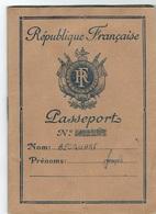 République Française PASSEPORT.Voir Les Scan. - France