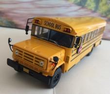 Bus GMC 6000 School Bus - 1989 - échelle 1/43  Neuf Métal - Voir Photos (envoie Colissimo) - Vrachtwagens