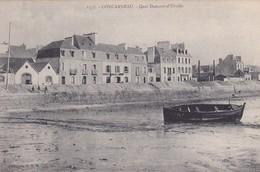 29-CONCARNEAU-QUAI-DUMONT-D'URVILLE-UNE BARQUE-ANIMEE - Concarneau