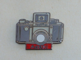 Pin's APPAREIL PHOTO ASAHIFLEX - Photography