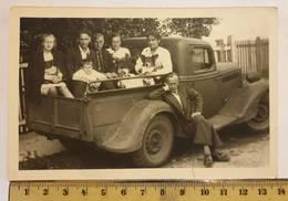 Photo Vintage. L'original. Voiture De Ramassage. Lettonie D'avant-guerre - Automobile