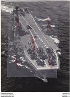 Au Plus Rapide Marine Nationale Porte-avions Arromanches Cachet Rouge Du Service-photo Superbe Format Excellent état - Bateaux