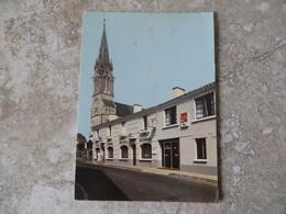 CPM Soullans 85 Rue De L' Océan, L' église Et Le Restaurant Le Relais Du Marais 1987 Flamme Challans ( Second Choix ) - Soullans