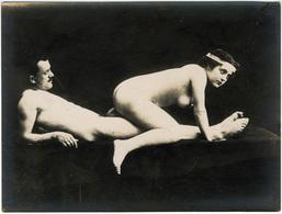 Photographie érotique. Irage Original D'époque, C 1900.  Photographie D'une Très Grande Vigueur De Contraste  FG1003 - Erotic & Fine Nudes (...-1960)